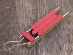 Wooden Sled Ornament | Spectacularly Easy DIY Ornaments for Your Christmas Tree