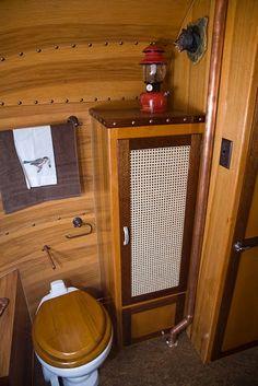 1977 Adirondack Airstream Restoration - Rustic - Other - by Classic Airstream Restorations by Craig Dorsey Vintage Rv, Vintage Airstream, Vintage Campers, Retro Campers, Vintage Caravans, Rv Campers, Airstream Remodel, Airstream Interior, Airstream Bathroom