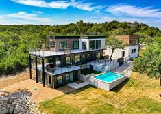 Luxury Shipping Containers House in Lago Vista, Texas, USA. In this video, we bring you an amazing family house built with shipping containers in Texas, Unit. Container Homes For Sale, Shipping Container Home Designs, Building A Container Home, Shipping Containers, Container Homes Australia, Shipping Container Cabin, Cargo Container, Container Design, Casas Containers