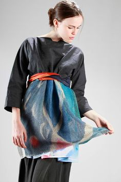 Daniela Gregis | linen canvas tunic and linen hand-painted net and the inside in cotton poplin with the negative of the net painting | #danielagregis
