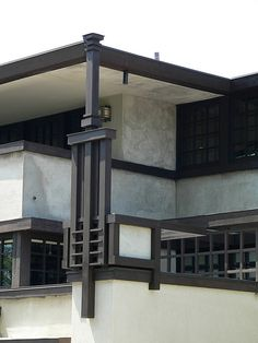 Westcott House decorative spire and cubic base - Frank Lloyd Wright