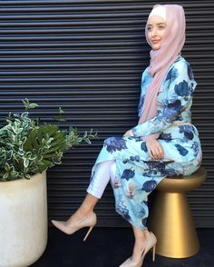 Are you ready for EID? Our Chester Hill store is open till 9pm this entire week! See you there ladies ✨  #modelleofficial #ootd #hootd #hijab #fashion #voguehijabs #coveredhair  #getthelook #outfit #modest #muslimah #style #styling #fashion #fashionblogger #fashionista