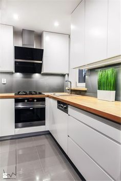 27 Kitchen Remodel Ideas On A Budget white kitchen design; 27 Kitchen Remodel Ideas On A Budget white kitchen design; kitchen remodel on a budget; Refacing Kitchen Cabinets, Modern Kitchen Cabinets, Kitchen Cabinet Design, Modern Kitchen Design, Kitchen Layout, Kitchen Interior, Kitchen Decor, Diy Kitchen, Kitchen Ideas