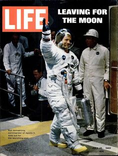 Neil Armstrong on the cover of LIFE Magazine July 1969 - Apollo 11 launch 45 years ago today! Neil Armstrong, Life Magazine, Journal Vintage, Foto Picture, Apollo Space Program, Apollo Missions, Life Cover, Space Race, Man On The Moon