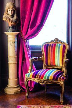 Hermosa butaca colores diversos y pan de bronce