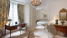 Deluxe Junior Suite at Le Bristol Paris Hotel Apartment, Paris Apartments, Le Bristol Paris, Spa Services, Paris Hotels, Closet Designs, 5 Star Hotels, Hotels And Resorts, Fine Dining