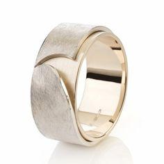 Trouwplannen? Zilveren en geelgouden ring