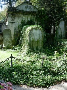 Paris SEPT2011 Pere Lachaise Cemetary graves by Mark B. Schlemmer on Flickr.