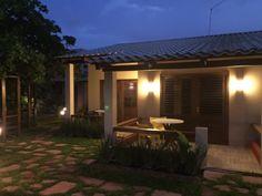 Pousada, restaurante e duas casas no melhor ponto da praia e do vilarejo de Moreré.  Veja mais aqui - http://www.imoveisbrasilbahia.com.br/boipeba-pousada-frente-mar-a-venda