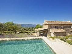 Le Mas du Passe Temps, Gordes: Holiday house for rent. Read 8 reviews, view 24 photos, book online with traveller protection with the owner - 1473788