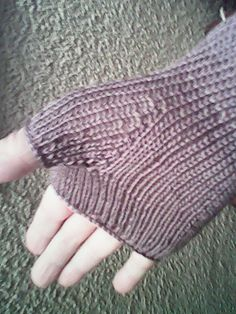 Ravelry: Foliage Lace Mitts pattern by Sarah Compton