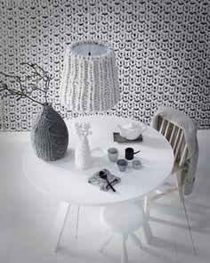 Lampeskjerm kan strikkes, det gir et lunt uttrykk.