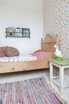 A charming and relaxed Dutch home Girls Bedroom, Estilo Interior, Kids Room Design, Home Wallpaper, Bedroom Wallpaper, Little Girl Rooms, Scandinavian Home, Kid Spaces, Kids Decor