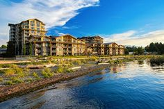 7 reasons to Staycation in Parksville from Vancity Buzz Beach Club Resort, Hotel S, Vancouver Island, Staycation, Mountain View, Weekend Getaways, Hotels And Resorts, East Coast, Seaside
