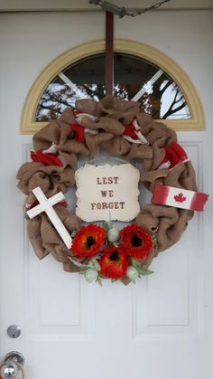 """""""Lest We Forget"""" for Remembrance Day Canada. Lest We Forget for Remembrance Day Canada. Remembrance Day Pictures, Remembrance Day Activities, Remembrance Day Poppy, Flower Pattern Drawing, Flower Patterns, Poppy Wreath, Poppy Craft, Diy And Crafts, Crafts For Kids"""