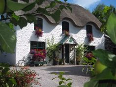 Lissyclearig Thatch Cottage