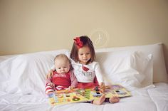 kids christmas pictures, sibling christmas portraits
