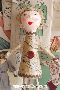 Paper Mache Doll Making Paper Mache, Paper Mache Clay, Paper Mache Sculpture, Diy Paper, Paper Art, Paper Crafts, Paper Mache Crafts For Kids, Paper Mache Projects, Art Projects