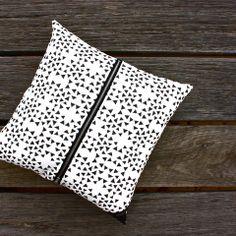 Cushion / Black Triangle One - Billy Heckenberg