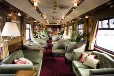 Les trains mythiques ne manquent pas et peuvent justifier à eux seuls un voyage. Les plus célèbres sont sans aucun doute l'Orient Express ou le Transsibérien mais d'autres trains offrent un expérience unique et inoubliable. Le charme d'un voyage en train est bien réel. A la fois romantique et dans un univers qui rappelle celui de la Belle Époque, en prenant la voie ferrée à bord des trains les plus luxueux du monde, vous y découvrez le monde avec un nouveau regard. Vous traversez des zones…