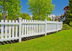 Enchanting Wooden fence background,Fence ideas south africa and Front yard fence landscaping ideas. Wood Picket Fence, Brick Fence, Concrete Fence, White Picket Fence, Front Yard Fence, White Fence, Fenced In Yard, Wooden Fences, Glass Fence