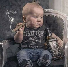 Good Cigars, Cigars And Whiskey, Cuban Cigars, Famous Cigars, Cool Baby, Baby Kind, Imagenes Pink Floyd, Funny Kids, Cute Kids