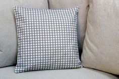 Plus de 1000 id es propos de coussins comfy pillows for Housse de coussin baroque