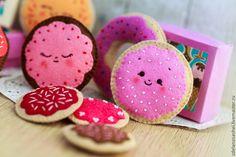 """Купить ёлочные игрушки из фетра """"Сладости"""" - розовый, пончики, сладости из…"""