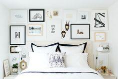 Sempre achei encantador o famoso mix de quadros, formando uma galeria de parede. É a uma maneira genial dos donos da casa colocarem muit...
