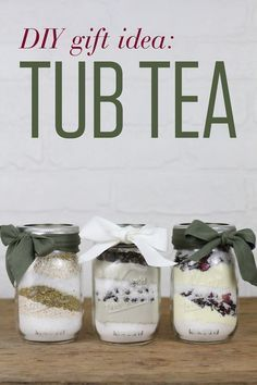 Pamper your loved ones with homemade Tub Tea! Similar to bath salts, these soothing mixes are simple to whip up in just a few minutes. gifts DIY Gift Idea: Tub Teas for a Soothing Soak Homemade Christmas, Christmas Diy, Diy Christmas Gifts For Boyfriend, Diy Gifts For Girlfriend, Diy Gifts For Dad, Diy Gifts For Friends, Boyfriend Gifts, Christmas Morning, Dyi Gift Ideas