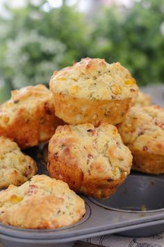 Recipes Snacks Savoury A super easy savoury muffins recipe made with ham, corn, cheese and chives. perfect for lunch boxes, as a side to a bowl of soup or on their own! Printable Thermomix and conventional recipe cards included. Healthy Savoury Muffins, Savory Scones, Healthy Muffin Recipes, Savoury Baking, Savory Snacks, Healthy Snacks, Savoury Tarts, Savoury Muffin Recipe, Easy Recipes