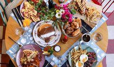 5 υπέροχα brunch στα Βόρεια Προάστια Breakfast Snacks, Wine Recipes, Chicken Wings, Brunch, Cheese, Dining, Ethnic Recipes, Food, Athens
