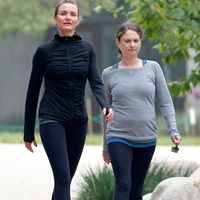 Cameron Diaz went hiking with a friend in LA yesterday wearing an all-black outfit for the fitness excursion. The actress is no stranger to the buddy workout Buddy Workouts, Cameron Diaz, All Black Outfit, Gym Wear, Workout Wear, Stay Fit, Gym Motivation, Fitness Inspiration, Health Fitness