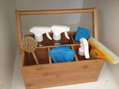 Pocket: Cleaning Station and Caddy for Kids Diy Montessori Toys, Montessori Bedroom, Montessori Practical Life, Montessori Toddler, Montessori Materials, Montessori Education, Cleaning Caddy, Cleaning Wood, Cleaning Cloths