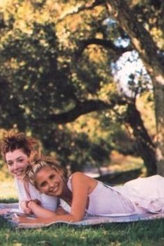 """'90s Photoshoot With The """"Buffy The Vampire Slayer"""" Ladies"""