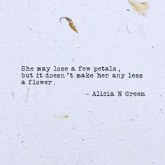 A Flower Typewriter Poem by Alicia N Green | Inspirational Micropoem |  Quotes for her | Strong Women | Life Quotes for her | #WorldofWordsbyAG