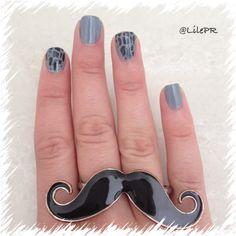DIY manicure- grey, animal print
