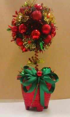 Christmas Topiary, Christmas Star Decorations, Ribbon On Christmas Tree, Pink Christmas, Christmas Design, Christmas Wreaths, Christmas Ornaments, Christmas Crafts Sewing, Holiday Crafts