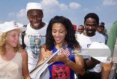 Florence Griffith-Joyner signing autographs for fans after Women's race at IU Michael A. Black Love, Beautiful Black Women, Amazing Women, Jackie Joyner Kersee, Flo Jo, Ebony Magazine Cover, Soccer Stadium, Black Goddess, Sport Icon
