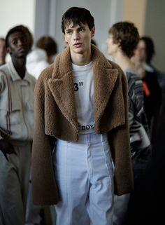 male models backstage, outside, and portraits Milan Fashion Weeks, New York Fashion, Mens Fashion, Fashion Outfits, Paris Fashion, Stockholm Street Style, Paris Street, Models Backstage, Spring 2015 Fashion