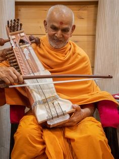 Swamishri sanctifies a sarangi Folded Hands, 30 September, Mobile Wallpaper, Instruments, Spiritual, Therapy, Touch, Wall Art, Live
