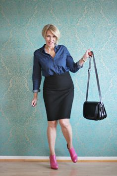 A fashio blog for women over 40 and mature women http://www.glamupyourlifestyle.com/  Denim-Blouse: Bon A´Parte Skirt: Zara Booties: Noe Antwerpen Bag: Maxwell Scott