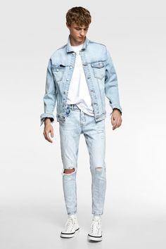 Blue Jeans Outfit Men, Blue Jean Outfits, Blue Jeans Mens, Ripped Jeans Men, Denim Jacket Men, Denim Outfit, Grunge Outfits, Teenage Boy Fashion, Boys Clothes Style