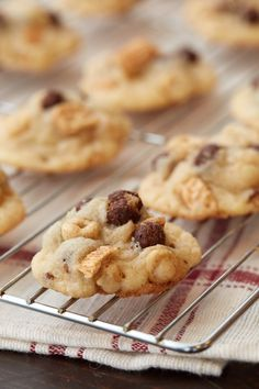 Bottom of the Cereal Box Cookies: These crunchy cookies can be made with whatever cereals you have on hand-- a great way to use up nearly empty boxes of cereal!