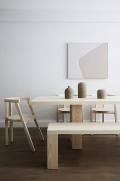 Coffee table design above is an extremely admirable and also modern layouts. Hope you get the idea or ideas for your contemporary coffee table. Minimalist Home Interior, Minimalist Furniture, Minimalist Decor, Home Interior Design, Minimalist Design, Modern Minimalist, Interior Ideas, Minimalist House, Interior Modern