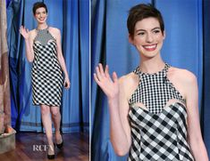 Anne Hathaway In Stella McCartney – Late Night with Jimmy Fallon