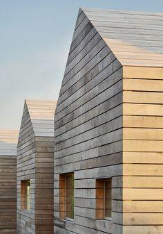 Häuser mit Holzfassanden / LEUCHTEND GRAU #Interior #Minimalismus #Fassade #Holz
