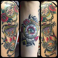 #nadir #tattoo #tattoos #tattoolife #anchor #compass #clock #old school tattoo #oldschooltattoos #modificazionicorporee #chiavari #healed1month #traditional #traditional tattoo #traditional tattoos