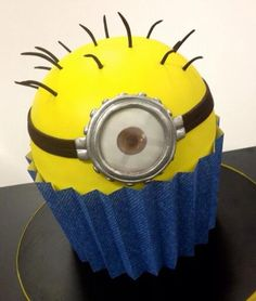 Minion Cupcake, too bad we did not have these for Something Wicked, would have been perfect!