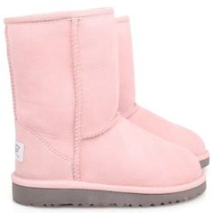 UGG Austrailia pink baby boots. I told L they are for baby's. She said she still wants them. You know, I kinda do too.